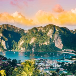 EARTH DAY: HOW TRAVEL CAN IMPACT YOUR GLOBAL FOOTPRINT